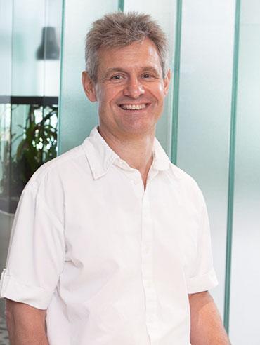 Dr. Ende Vári